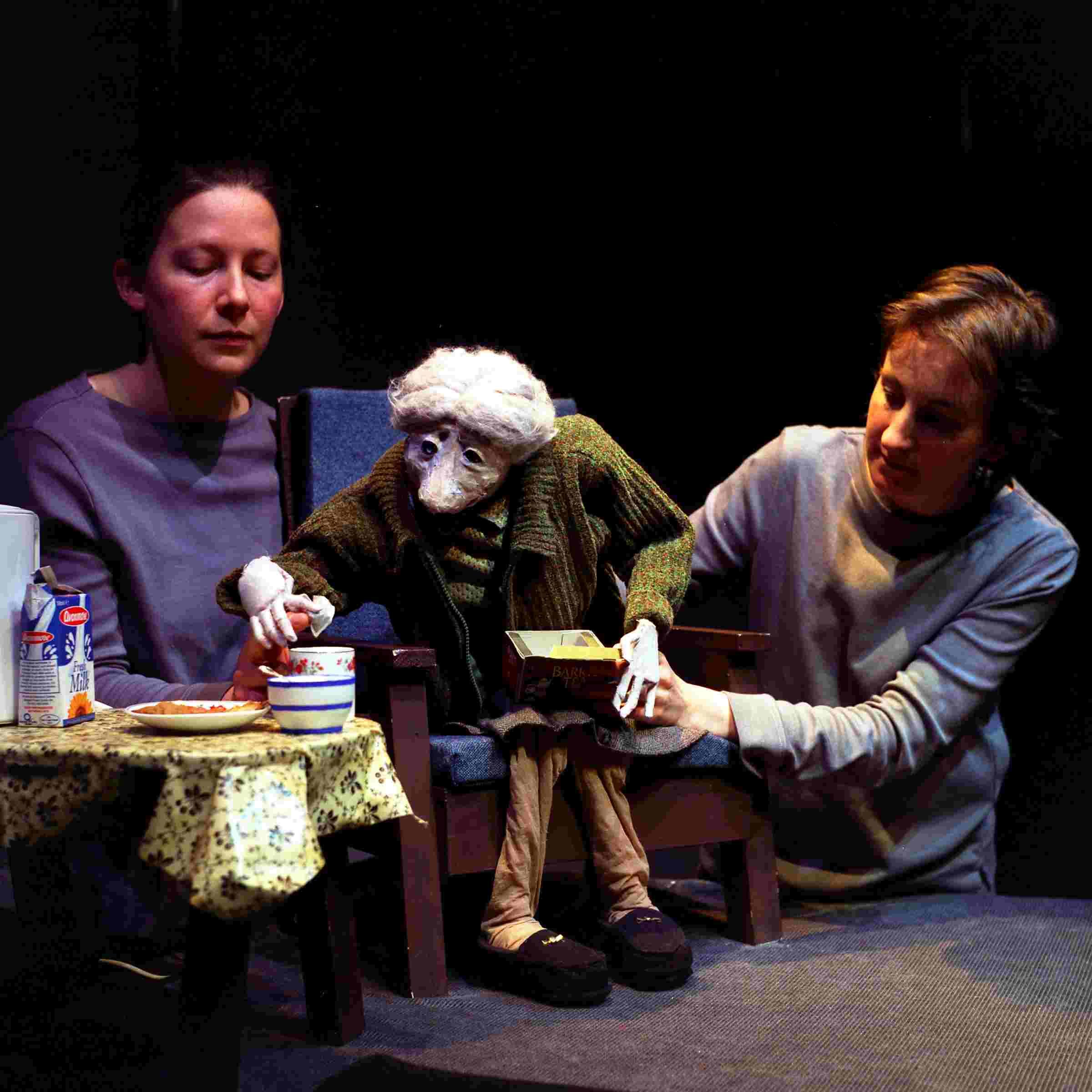 Mary Mary's Last Dance 2001: Cup o'tea cup o'tea! Photographer Ros Kavanagh. Featuring Helene Hugel and Niamh Lawlor.